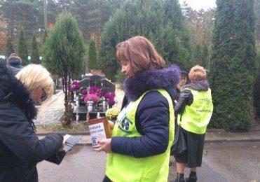 1 listopada 2016 r. - kwesta na cmentarzu w Kosakowie