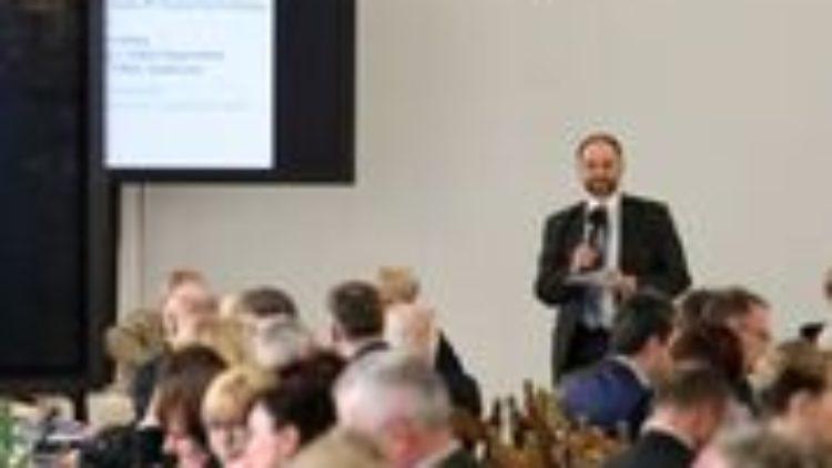 """Konferencja """"Rola samorządów w kształtowaniu polityki senioralnej""""."""