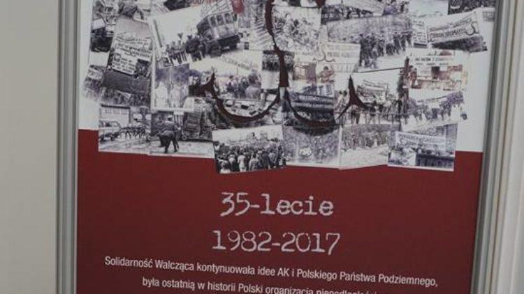 """Wystawa """"Solidarność Walcząca"""" w Sejmie w ramach 35 lecia powstania organizacji."""