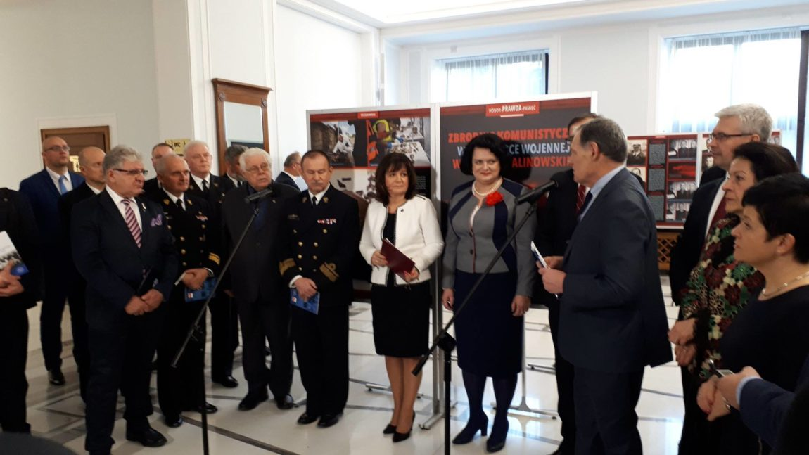 Wystawa Zbrodnie Komunistyczne w Marynarka Wojenna RP w okresie stalinowskim.