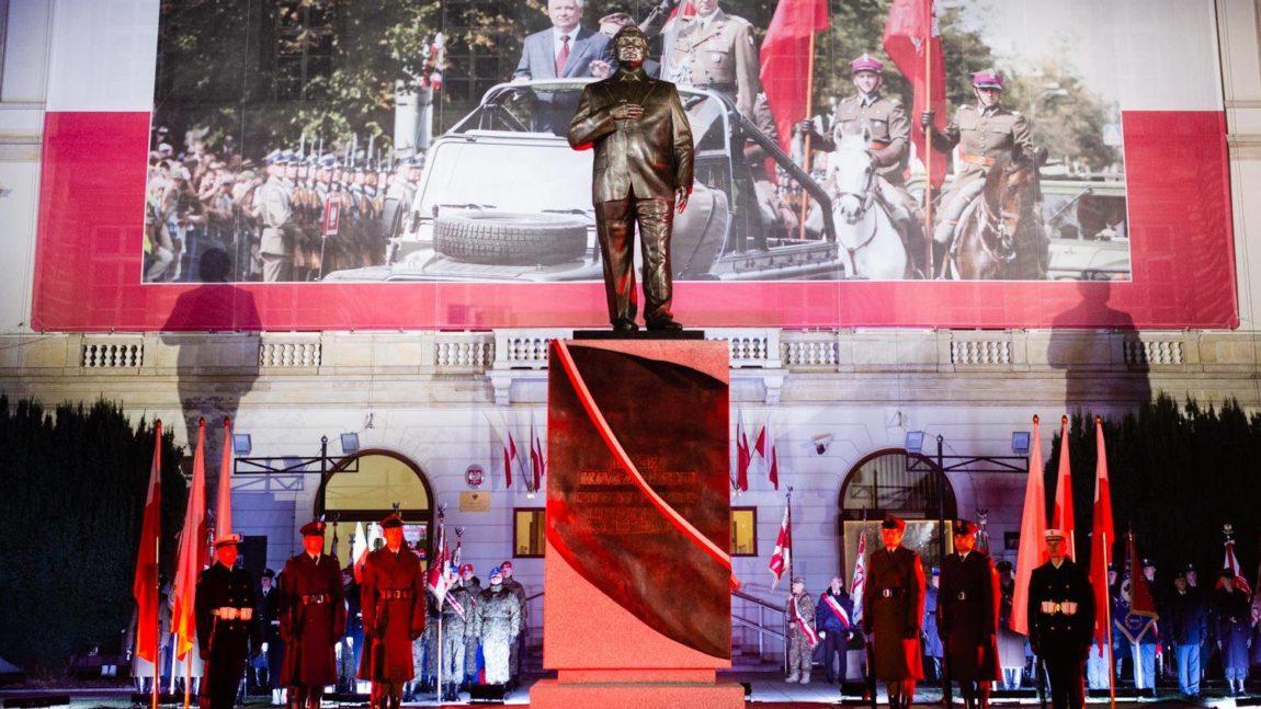 Odsłonięcie pomnika Prezydenta Lecha Kaczyńskiego