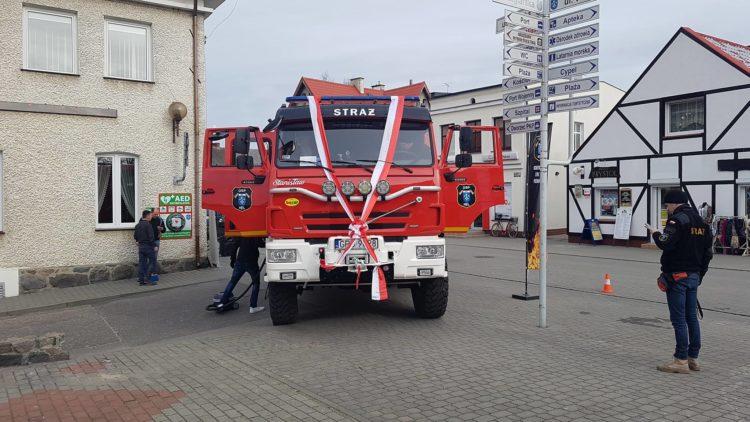 Przekazanie średniego samochodu ratowniczo-gaśniczego w Helu