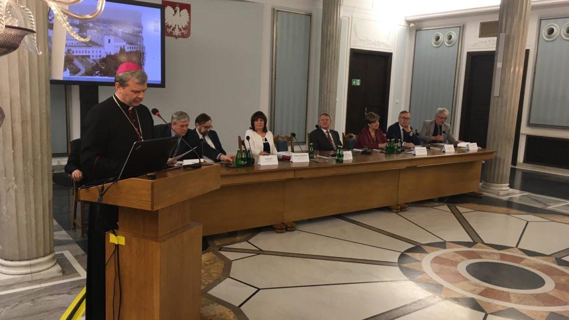 """Konferencja """"Odpowiedzialność parlamentarzystów i władzy za trzeźwość Narodu. Wdrażanie Narodowego Programu Trzeźwości"""""""