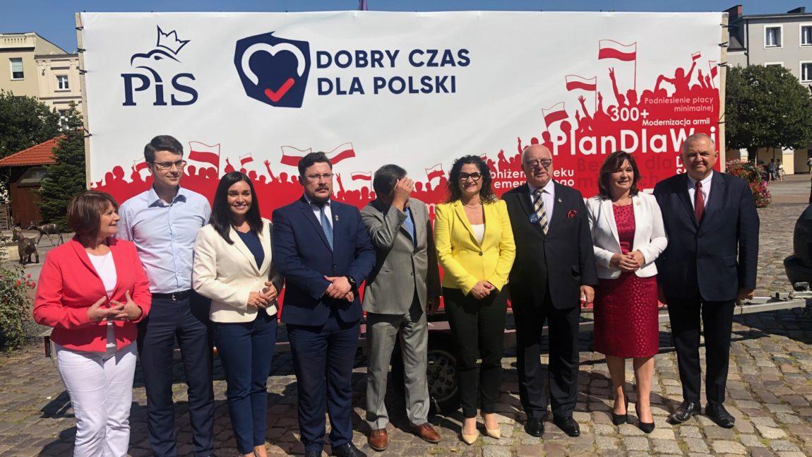 Prezentacja nowego bilbordu wyborczego PiS w Wejherowie