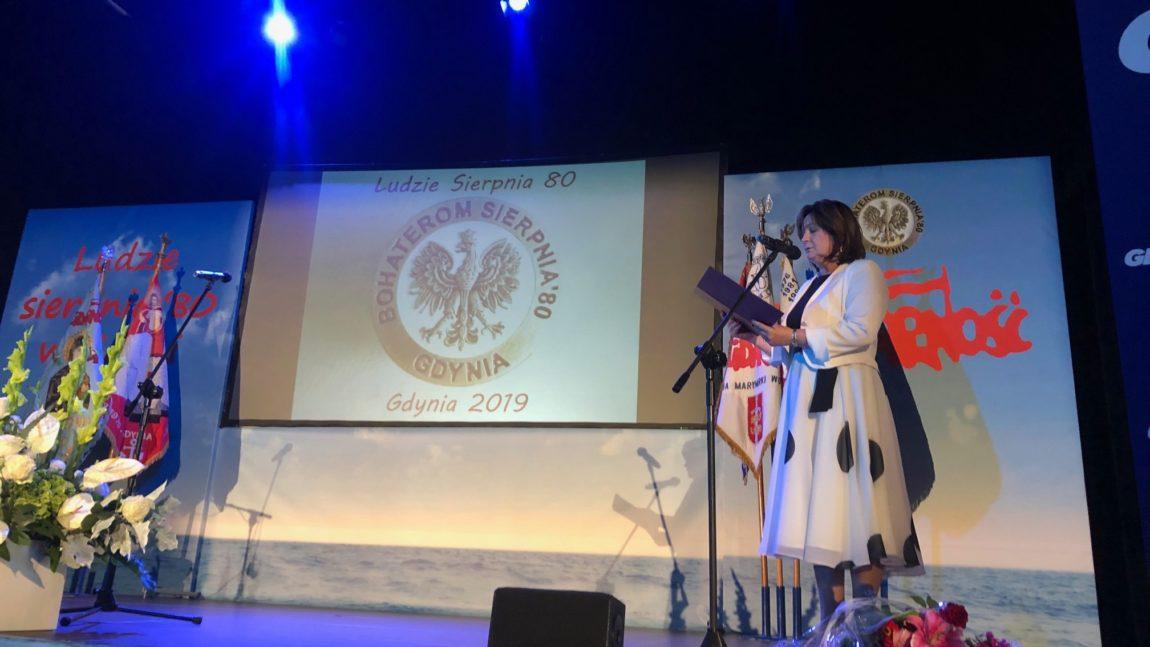 Uroczystość wręczenia honorowych odznaczeń bohaterom strajków sierpniowych w Gdyni